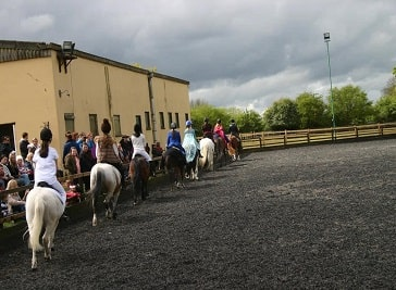 Squirrells Riding School in Medway